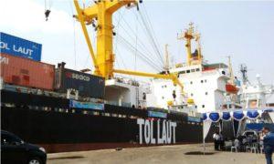 Ekspedisi kapal Laut Pelni